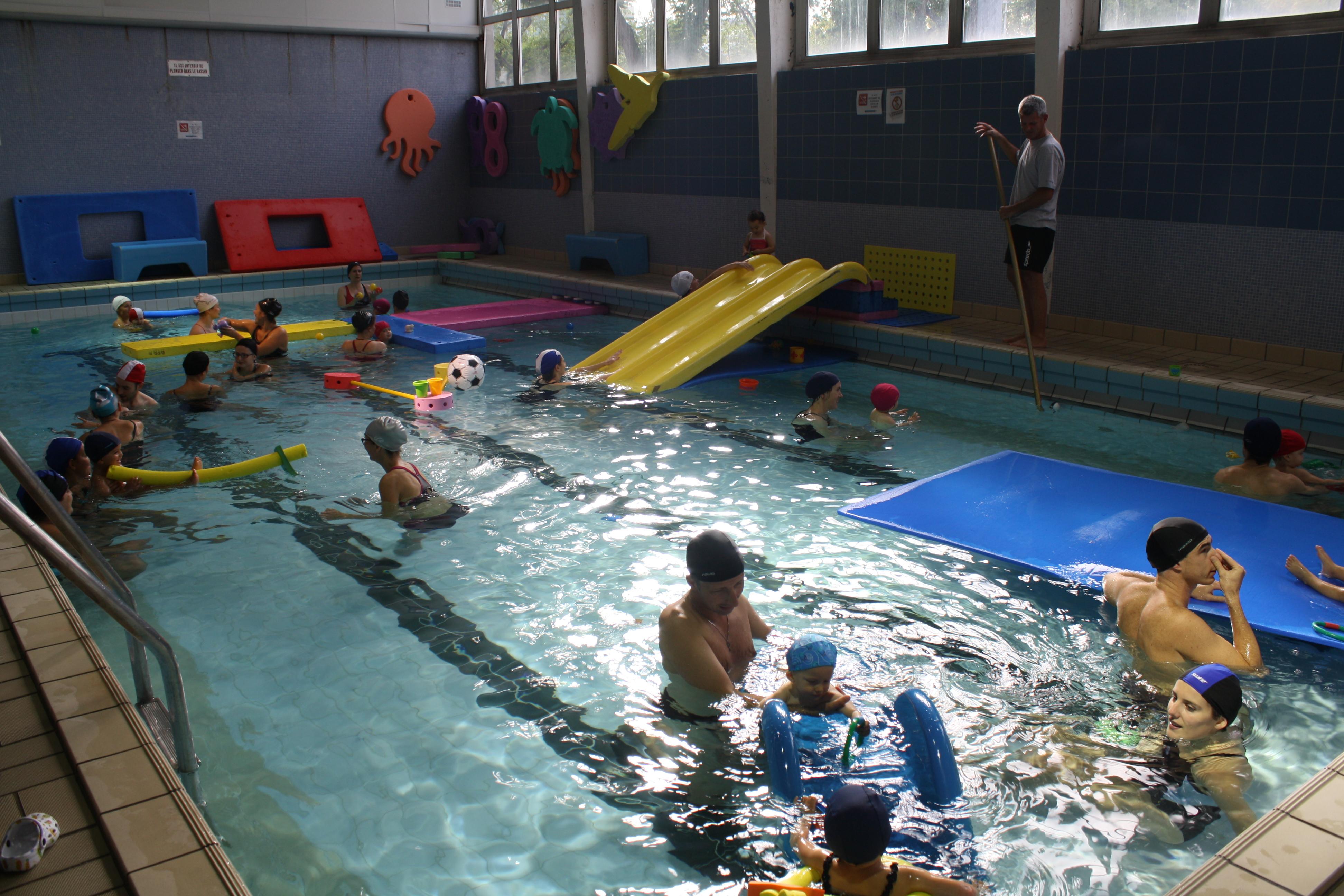 Impressionnant piscine pour b b 5 mois piscine for Piscine privee rennes